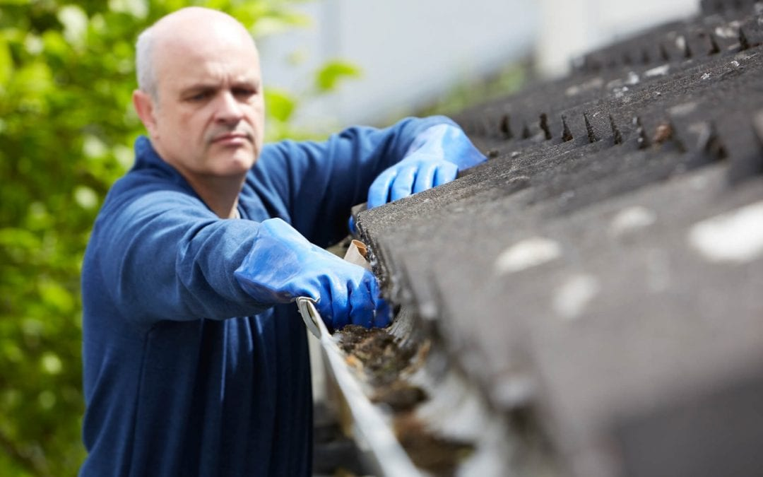 6 Steps for Cleaning the Gutters